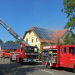 Brennender Dachstuhl in Mahlsdorf nach Kurzschluss an Solaranlage