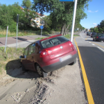 Auto steckt in Salzwedel im Straßengraben