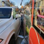 Autofahrer in Magdeburg will verbotswidrig wenden und stößt mit Straßenbahn zusammen