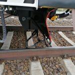 Schubkarre lag auf dem Gleis: Güterzug bei Köthen fährt über das Hindernis, Lok wird beschädigt